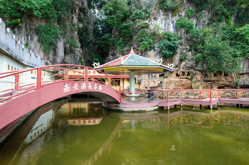 Nan Tian Tong-de tempel is een populaire toeristenbestemming in Ipoh, Maleisië royalty-vrije stock fotografie