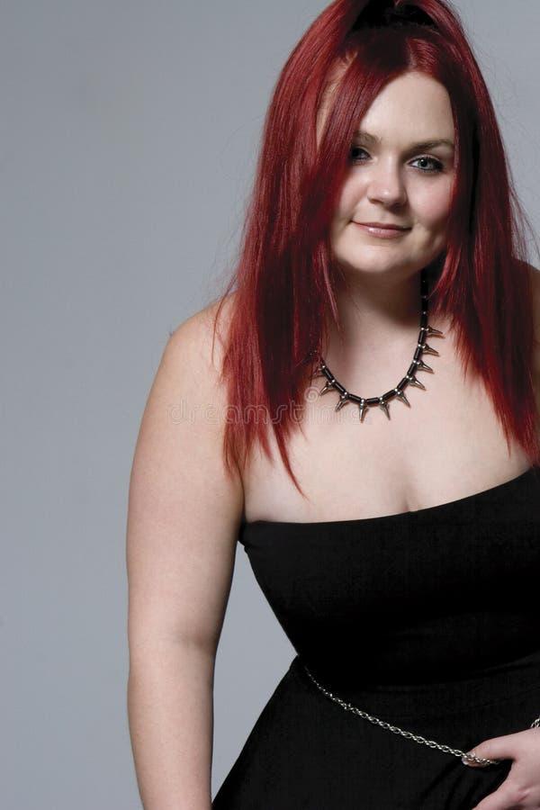 Nana rouge de cheveu de roche de Goth photographie stock