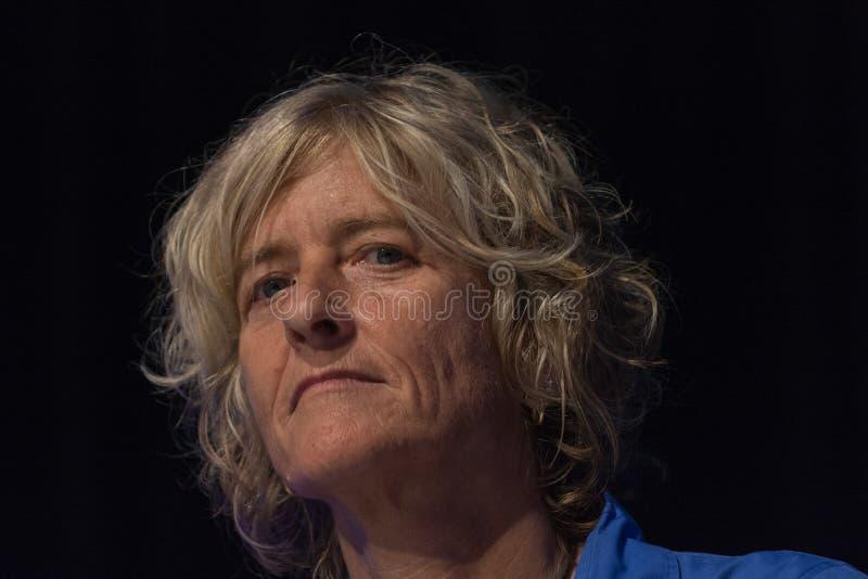 Nancy Bennett, Belangrijkste Tevreden Ambtenaar bij Twee Beetjecircus royalty-vrije stock afbeeldingen