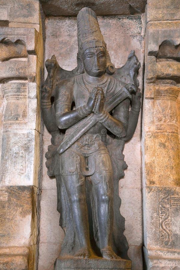 Nandikesvara que está na adoração, ameia em um mandapa que conduz ao ardha-mandapa, templo de Airavatesvara, Darasuram, Tamil Nad fotos de stock royalty free