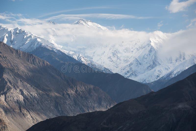 Nanga Parbat ou a montanha do assassino vista da estrada de Karakorum, foto de stock royalty free