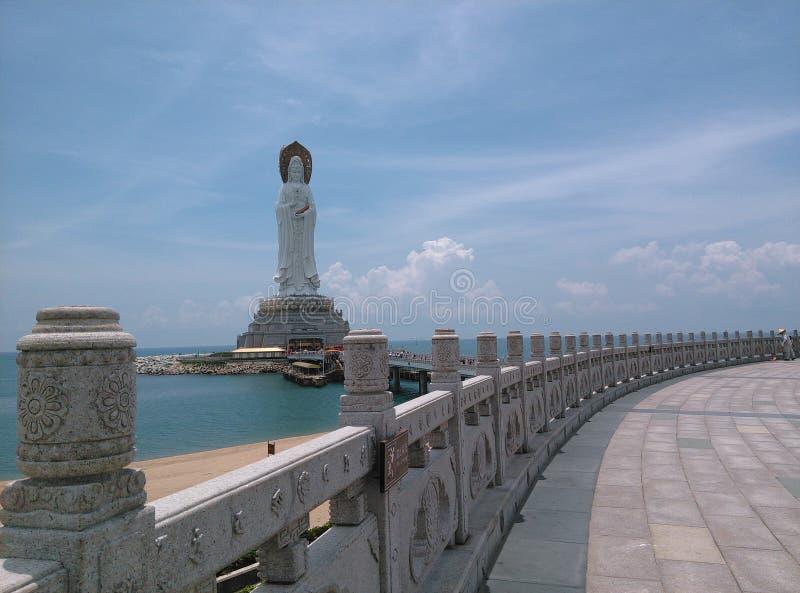 Nanhai Guanyin staty, i Sanya, Hainan i Kina arkivbilder