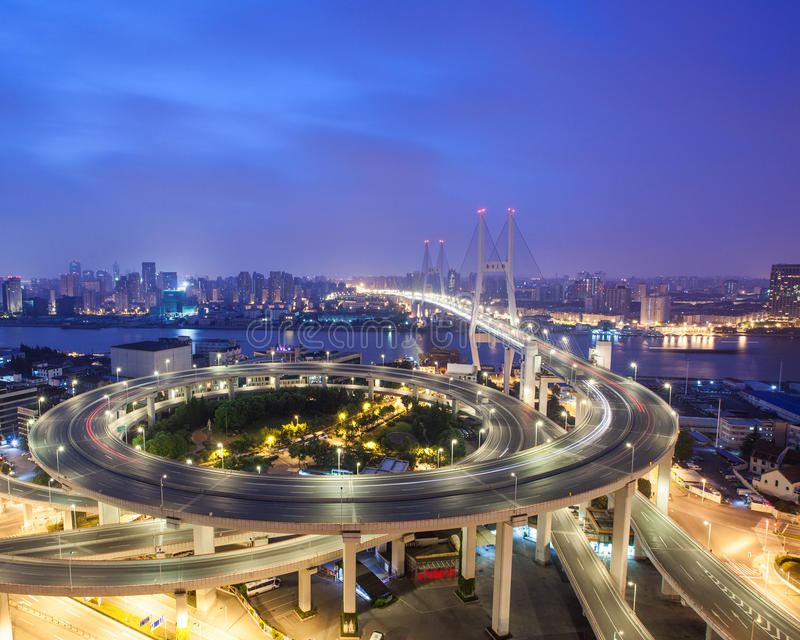 Nanpu Brücke nachts stockfoto