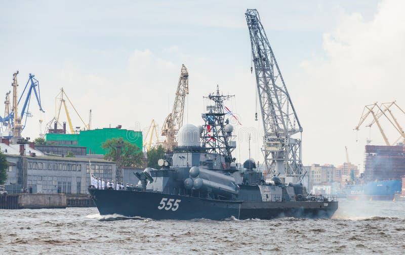 Download Nanuchka-klasserakete Korvette Auf Neva-Fluss Redaktionelles Stockfotografie - Bild von gewehr, leningrad: 96927037