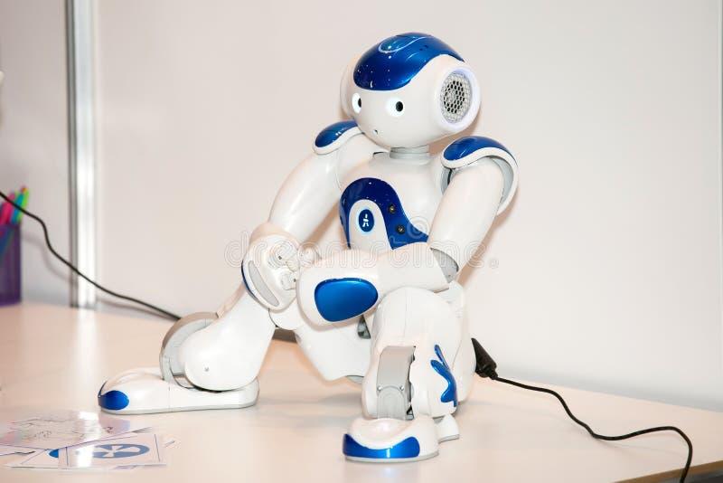 NAO programmabile del robot di umanoide sull'Expo di robotica a Mosca, Russia fotografie stock