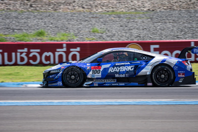 Naoki Yamamoto van TEAM KUNIMITSU in de Race van GT500 Definitieve Opwarmingsoverlapping stock afbeeldingen
