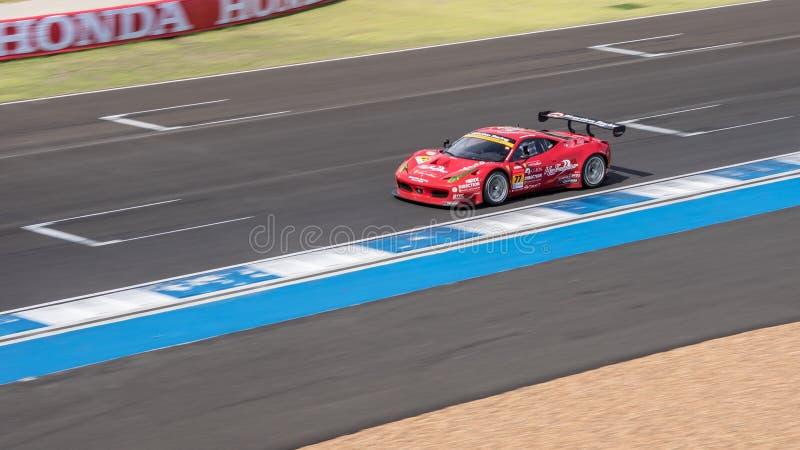 Naoki Yokomizo die van Richting in Super Definitieve Race 66 van GT Overlapping rennen stock afbeeldingen