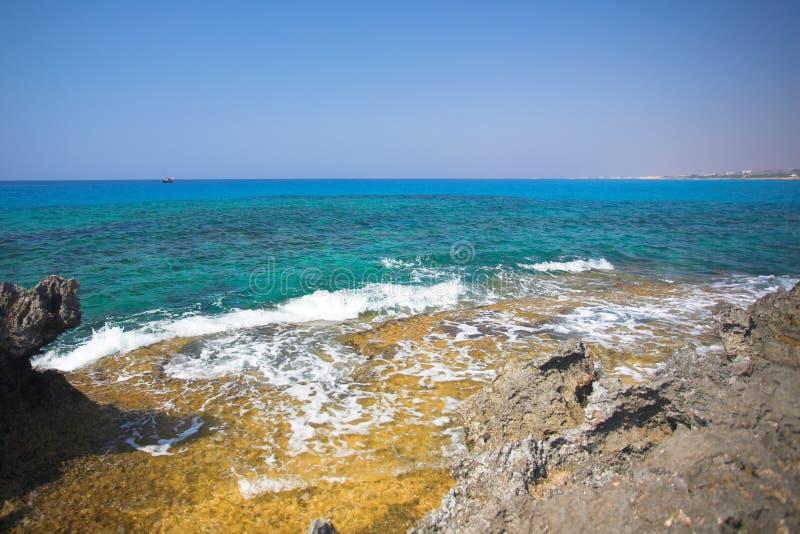 Download Napa Greco Cavo плащи-накидк Agia Стоковое Фото - изображение насчитывающей прибрежно, плаща: 6851120