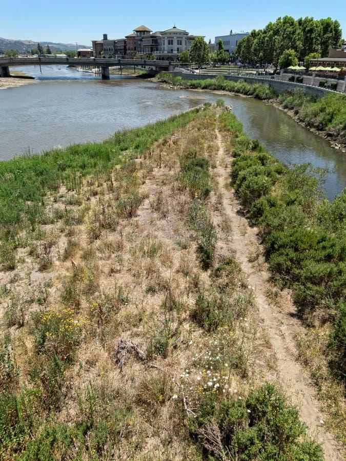 Napa-Nebenflussflüsse in Napa-Fluss lizenzfreies stockbild