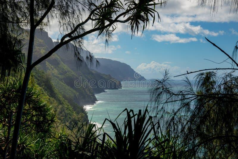 Napali-Küstenwanderung lizenzfreies stockfoto
