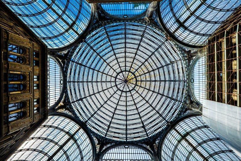 NAPELS - De galerij van Umberto I in de stad van Napels, Napoli, Italië royalty-vrije stock foto