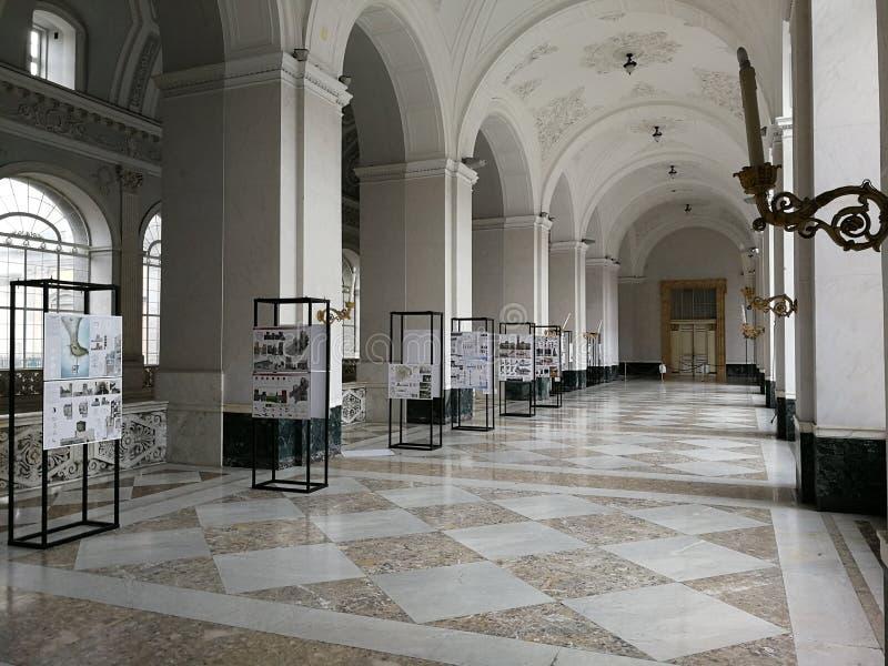 Napels - Weergeven van ambulant Royal Palace stock fotografie