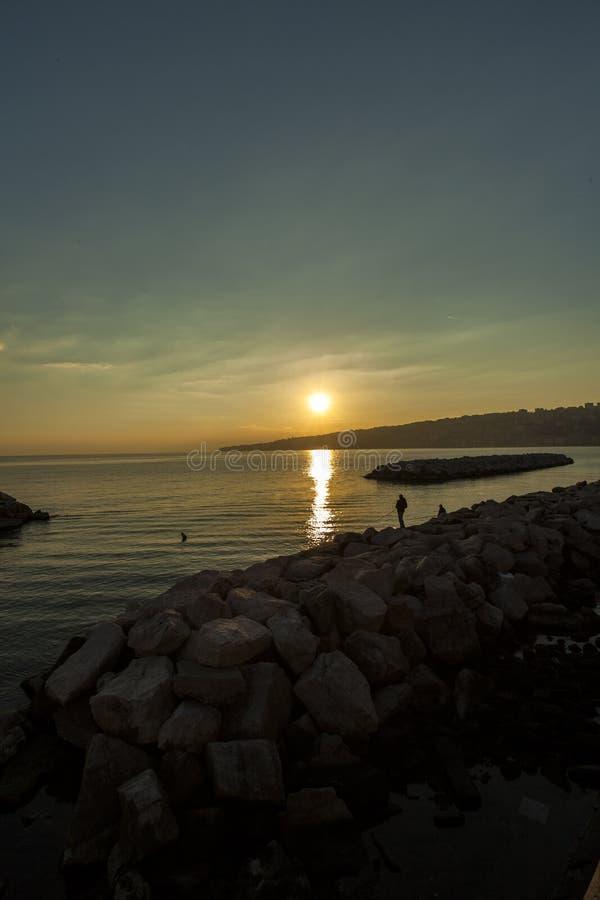Naples, coucher du soleil image stock