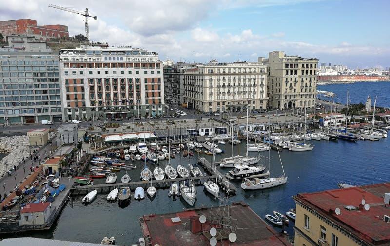 Naples - port av Borgo Marinari från den Castel dellen 'Ovo royaltyfri foto