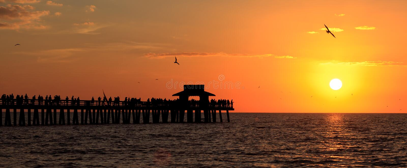 naples solnedgång royaltyfri bild