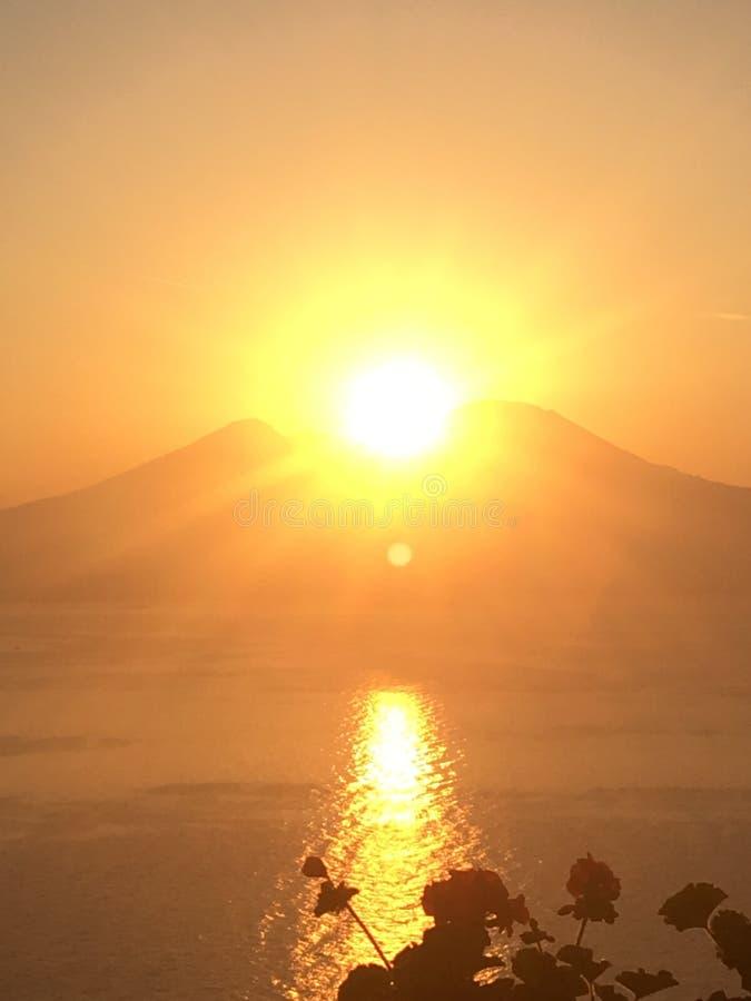 Naples soluppgång fotografering för bildbyråer