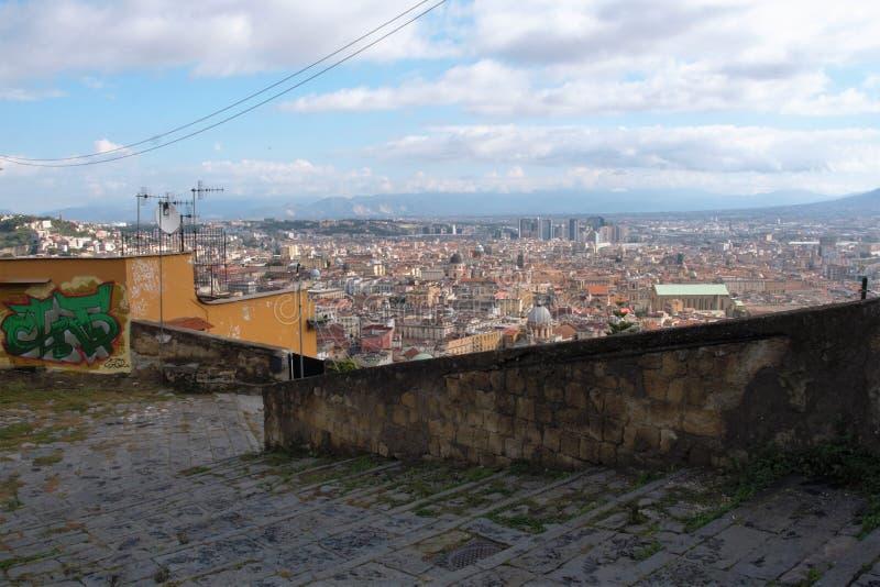 Download Naples starzy schodki zdjęcie stock. Obraz złożonej z śródziemnomorski - 106921096