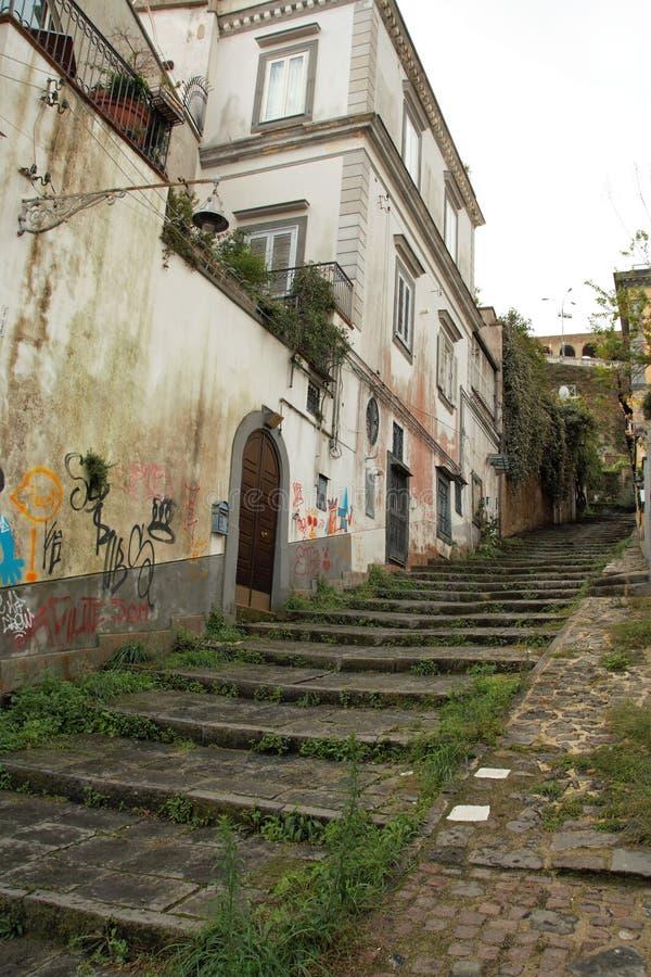 Download Naples starzy schodki zdjęcie stock. Obraz złożonej z city - 106921246