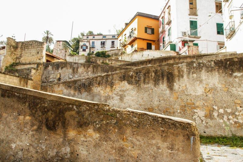 Download Naples starzy schodki zdjęcie stock. Obraz złożonej z wakacje - 106921338