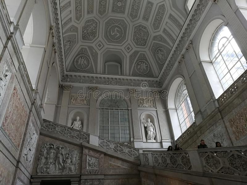 Naples - storslagen trappuppg arkivfoton