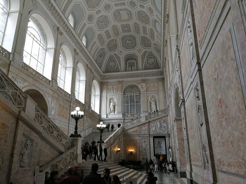 Naples - storslagen trappuppg?ng av Royal Palace arkivfoton