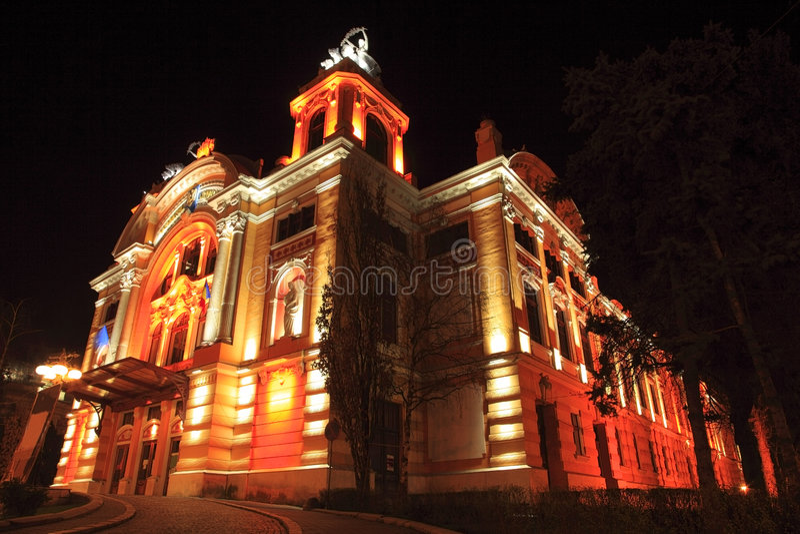 Napoca de edifício-Cluj do teatro nacional, Romania foto de stock