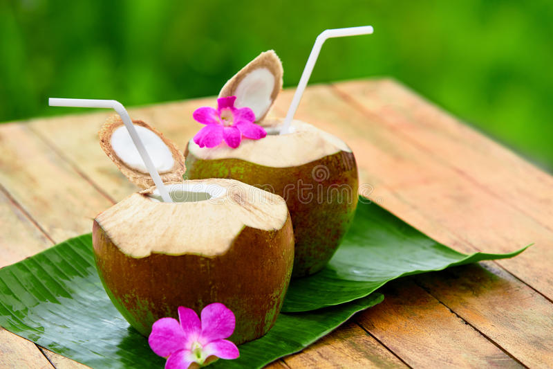 Download Napoju Koksu Woda, Mleko Dieta Odżywianie, Uwadnianie Witaminy Zdjęcie Stock - Obraz złożonej z hawajczycy, surowy: 65225838