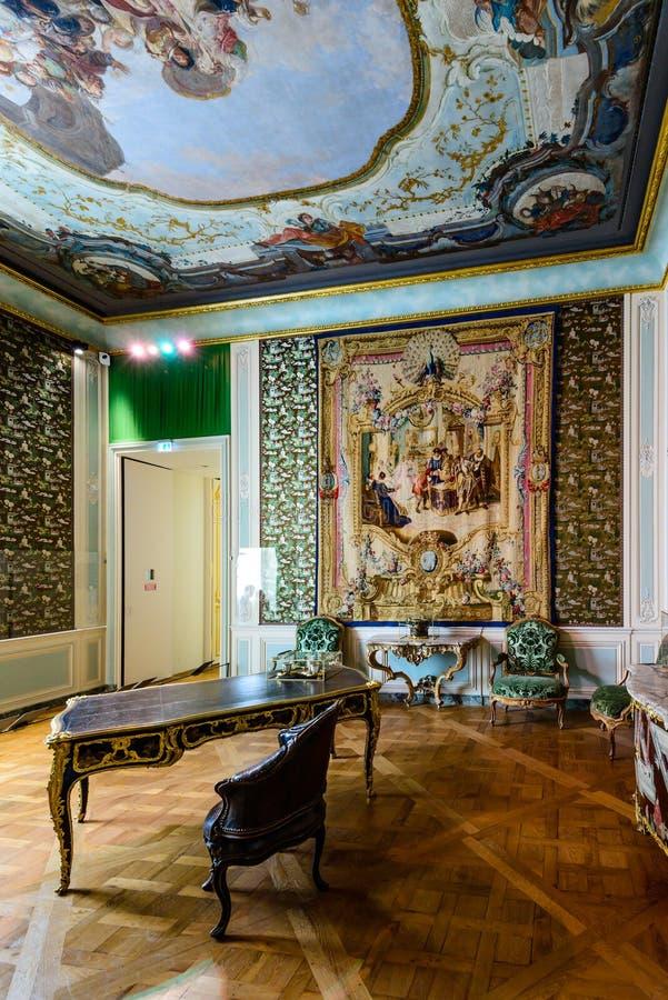 Napoleon ΙΙΙ διαμέρισμα στο μουσείο του Λούβρου στοκ εικόνες