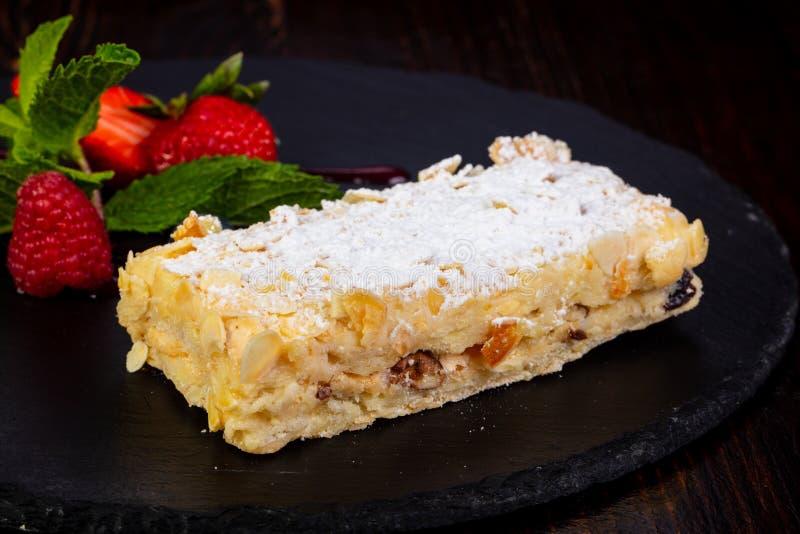 Napoleon gelaagde cake stock afbeelding