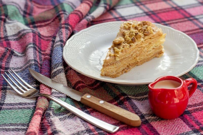 Napoleon torta kulebiak z nakrętką mleko zdjęcia royalty free