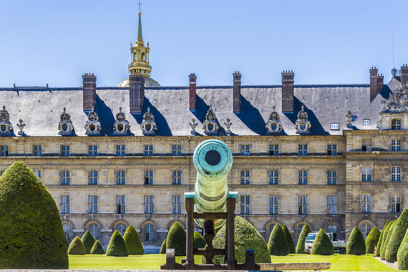 Download Napoleonic Artillery Gun Near Les Invalides, Paris Stock Image - Image: 27504079