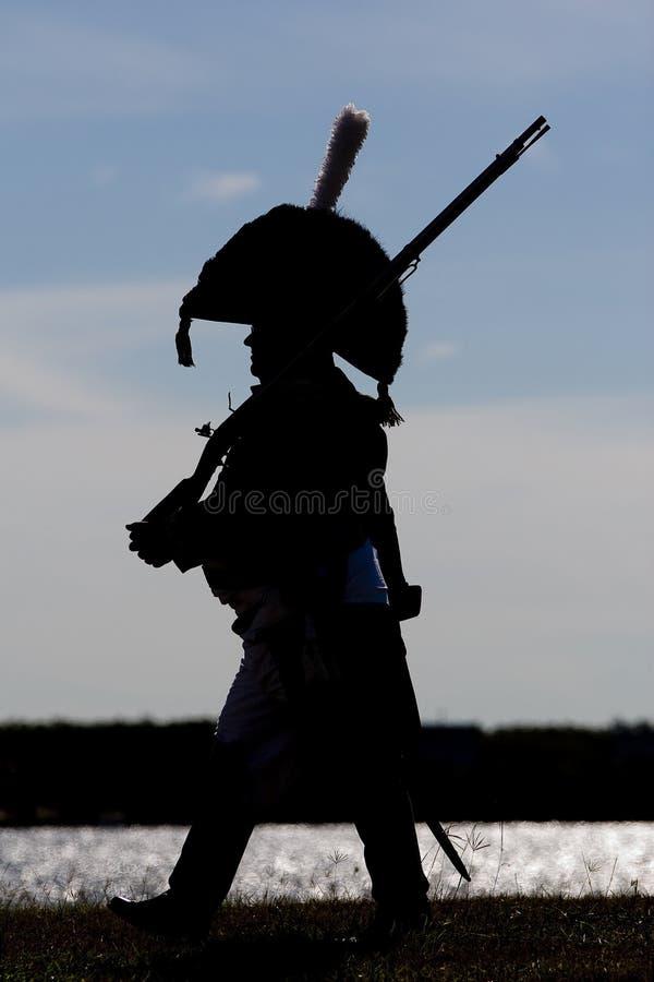 Napoleonische Soldatmärsche lizenzfreies stockfoto