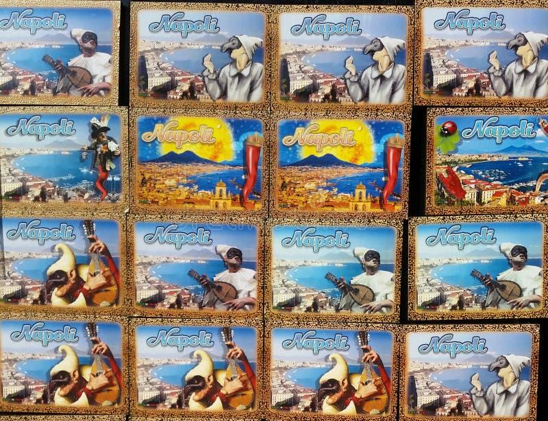 Napoli, Italy Coleção dos ímãs a vender aos turistas fotos de stock royalty free