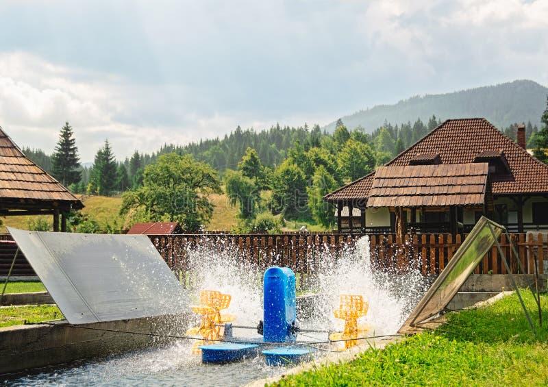 Napowietrzenie przyrząd w Pstrągowym basenie fotografia royalty free
