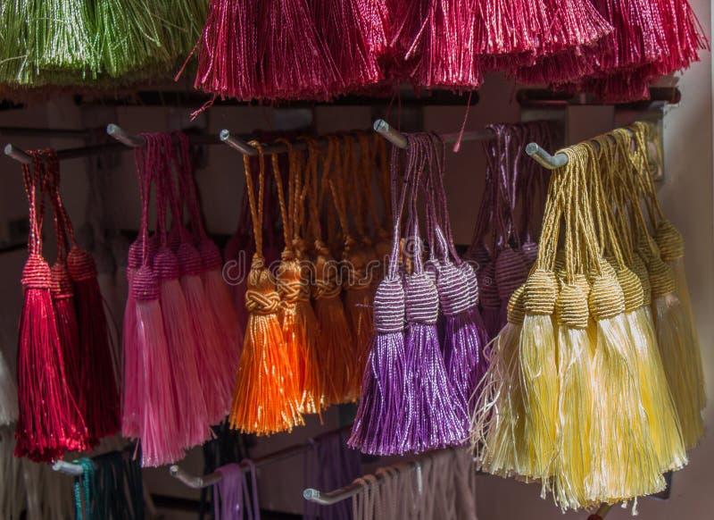 Nappe tradizionali in vari colori immagini stock libere da diritti