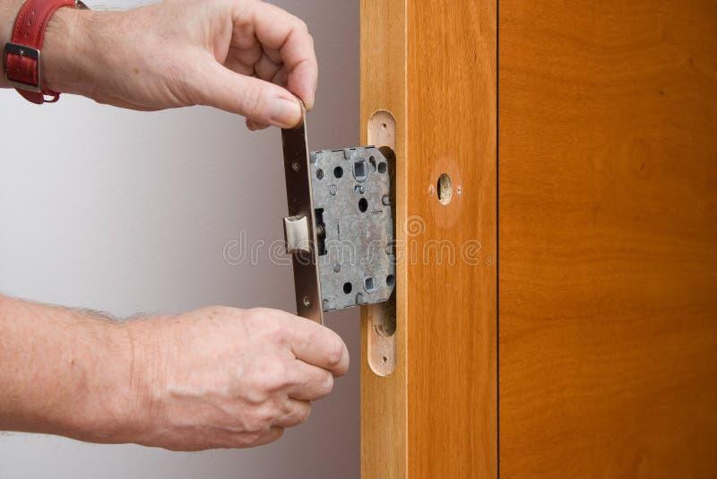 Naprawiać drzwiową rękojeść zdjęcie royalty free