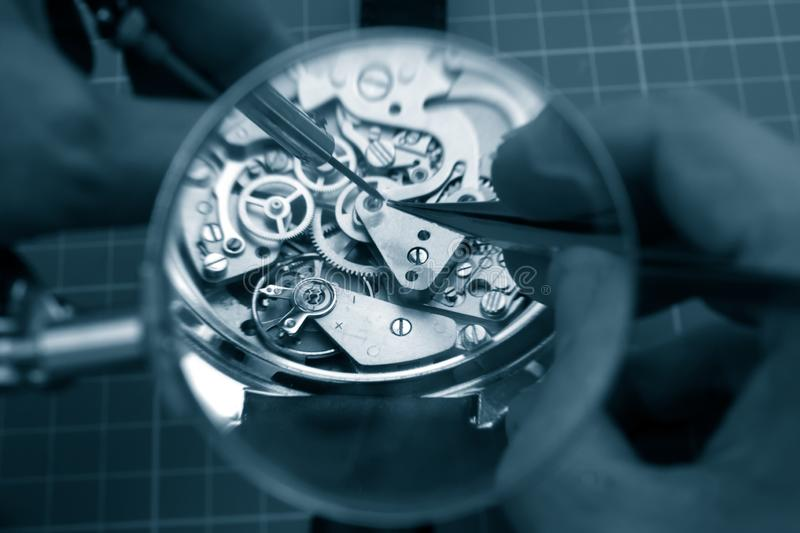 Naprawiać rocznika zegarek obrazy royalty free