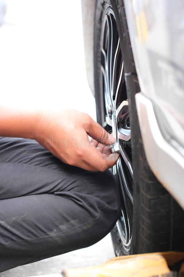 Naprawiający wyposażenie kołowi pojazdy obrazy royalty free