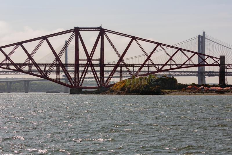Naprzód kolejowy most nad Firth Naprzód blisko Edynburg, Szkocja obrazy stock