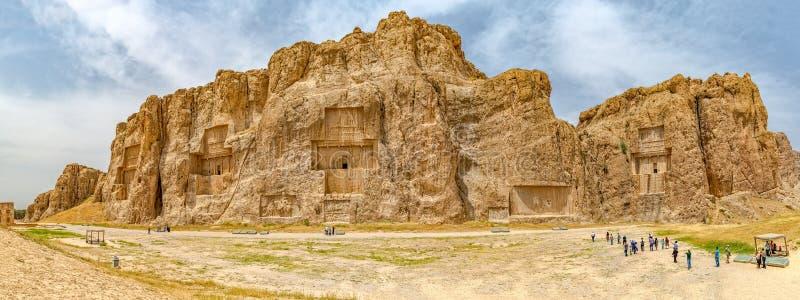 Naqsh-e Rustam Panoramic panoramautsikt royaltyfria bilder