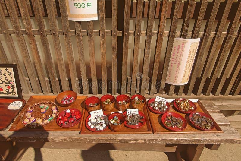 NARAI, JAPÓN - 4 DE JUNIO DE 2017: Tiendas y tiendas tradicionales en el Na foto de archivo