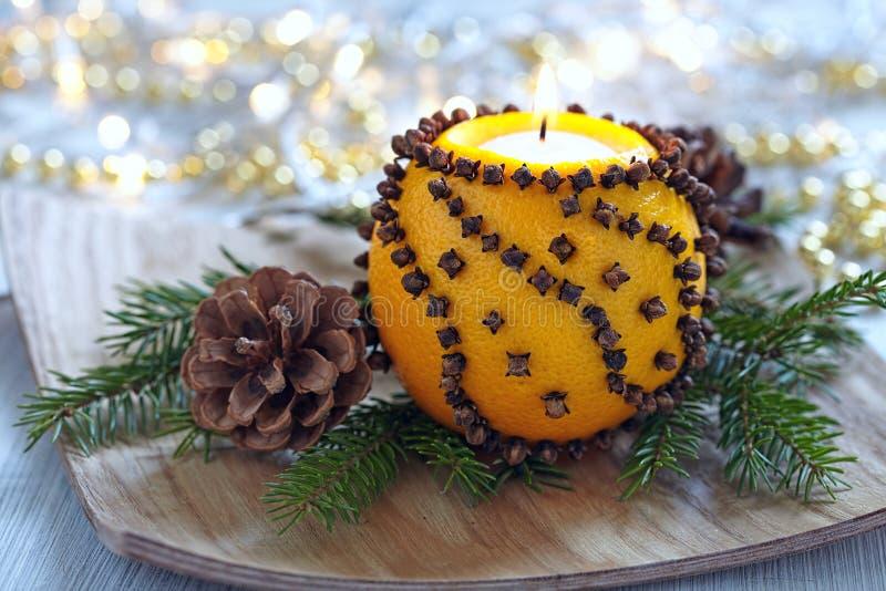 Download Naranja Aromática De La Navidad Con La Vela Foto de archivo - Imagen de casero, pino: 44858028