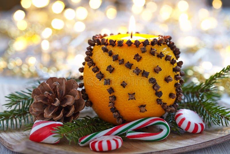 Download Naranja Aromática De La Navidad Con La Vela Foto de archivo - Imagen de horizontal, fruta: 44858038