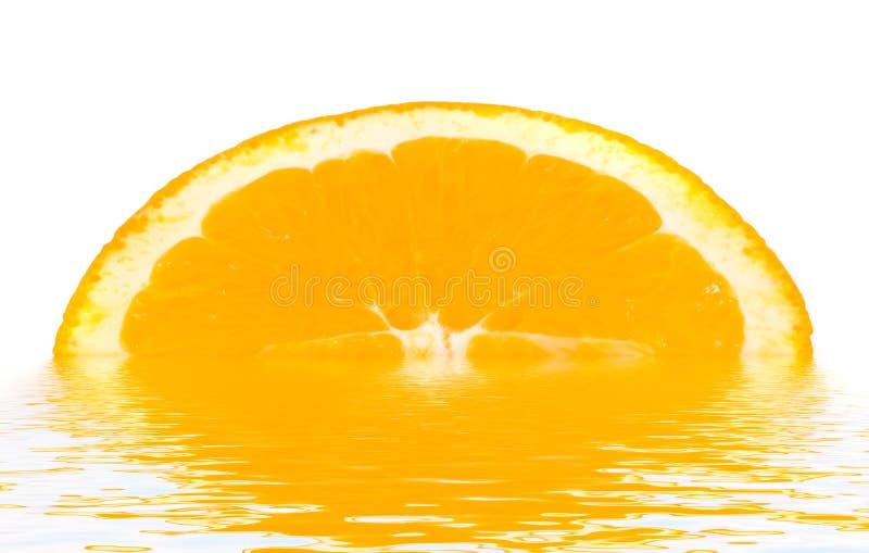 Naranja con una gota. fotos de archivo libres de regalías