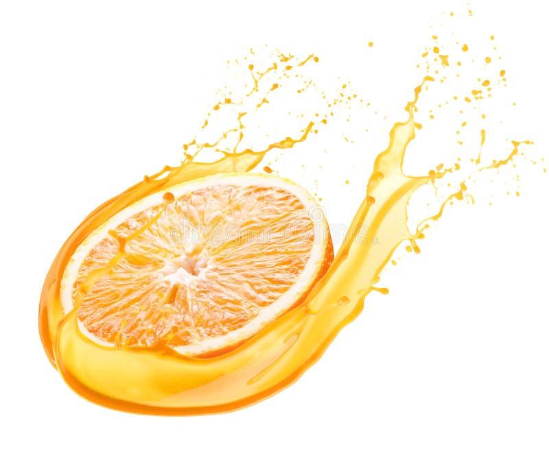 Naranja en el chapoteo del jugo aislado en un fondo blanco fotos de archivo