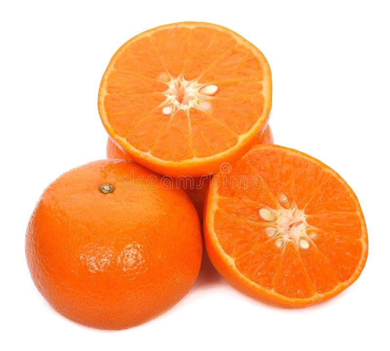 Naranja fresca aislada en el fondo blanco imágenes de archivo libres de regalías
