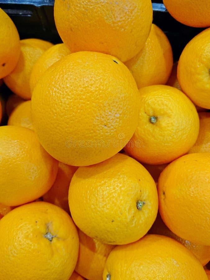 Naranjas en venta fotos de archivo
