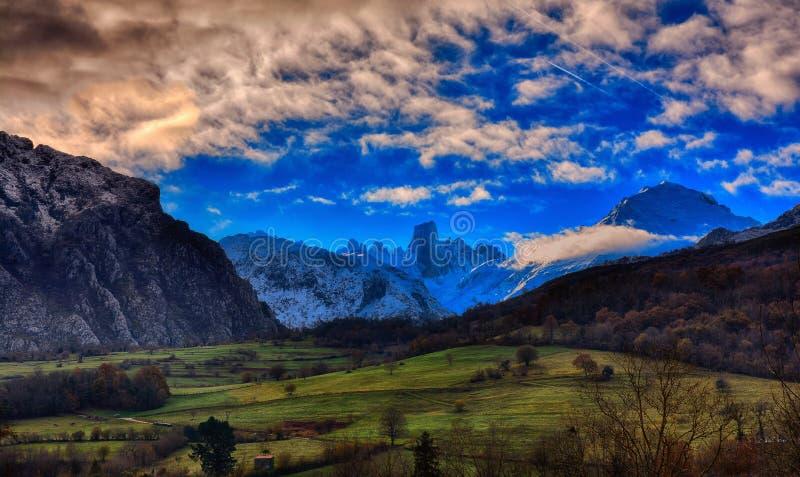Naranjo DE Bulnes die als Picu Urriellu in het Nationale Park van Picos wordt bekend DE Europa stock foto's