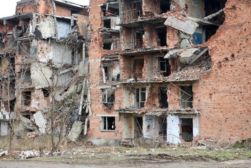 Narben des Krieges in Grosny, Chechn lizenzfreies stockbild