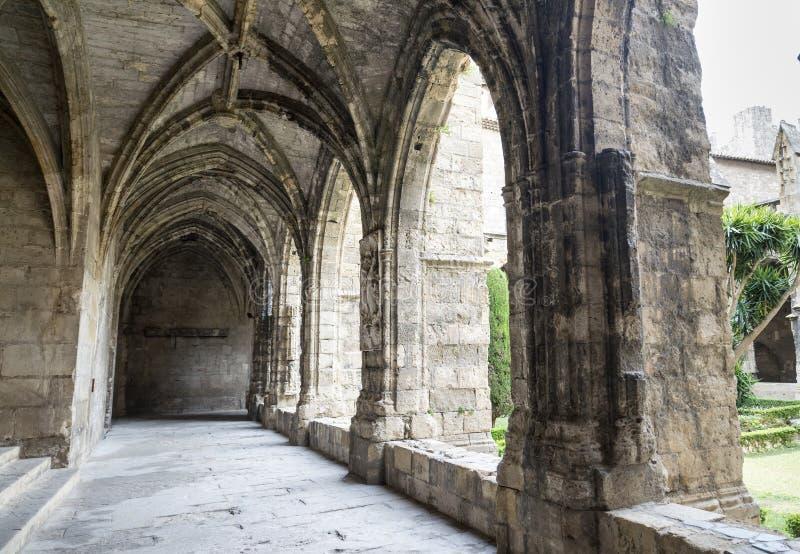 Narbonne (France), cloître de cathédrale photographie stock